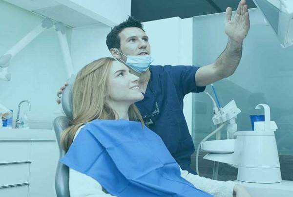 Top 5 Gebitsbehandelingen om uw mondverzorging te verbeteren en u een mooie uitstraling te geven